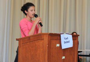 Yael als Vertreterin für das KJP